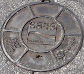 Saae realiza intervenção em dois bairros para conter extravazamento de esgoto.