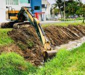 Saae-Sorocaba faz desassoreamento de córrego no Jardim Leocádia